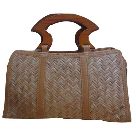 OSSMN002: Wooden Bamboo Hinged Purse of Assam