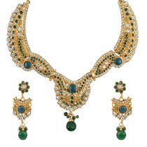 "AAKSHI"" Bridal Luxury in Pearl Pal Mino Emerald Green"" Jewellery Set"