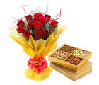 Gifts valley Roses with 1 Kg Dryfruits