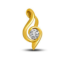 0.15 TCW Stunning diamond pendant in yellow gold