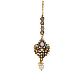 Maang Tikka Studded With White Stone