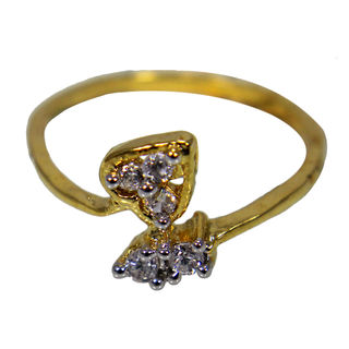 Gold Tone Ring Adorned With Heart And Stones For Women, 10