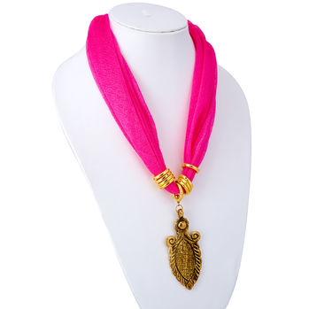 Sukkhi Divine Chiffon Detachable Scarf Necklace With Chain For Women