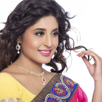 Sukkhi - Kritika Kamra Detachable 4 in 1 CZ Jewellery Set with Chain and 5 Changeable Stone