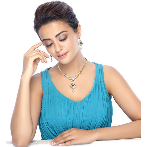 Sukkhi Surveen Chawla Collections Classic Detachable 4 in 1 CZ Jewellery Set with Chain and 5 Changeable Stone