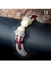 Pearl Of The Orient, Maroon