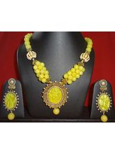 Beautiful Necklace In Yellow-KNL069